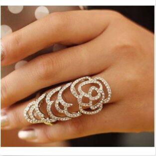 תכשיט ערב טבעת מהודרת מוכסף מעוטרת בקריסטלים
