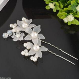 סיכה להינומה עבודת יד עם עיטורי פרחים ופנינים