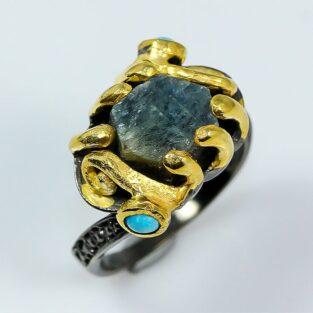 תכשיט לכלה ולערב: טבעת בשיבוץ ספיר וטורקיז