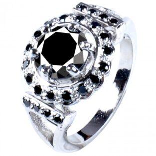 תכשיט ערב: טבעת כסף 925 בשיבוץ אבני מואסנייט הטבעת: 4.55 קרט מידה: 8