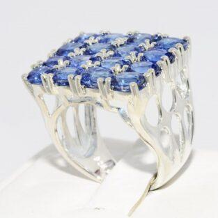 תכשיט לכלה ולערב: טבעת כסף בשיבוץ 16 אבני קינייט מידה: 6.25