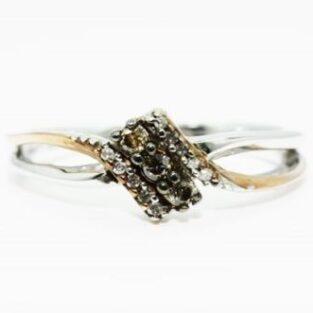 תכשיט זהב לכלה: טבעת כסף וזהב בשיבוץ 3 יהלומים זהובים 12 יהלומים לבנים מידה 6