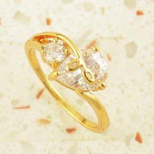 טבעת גולדפילד משובצת קריסטלים עיצוב לב