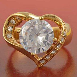 טבעת גולדפילד עיצוב לב משובצת קריסטל