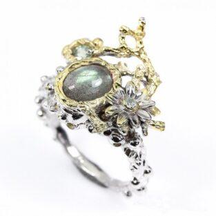 תכשיט לכלה ולערב: טבעת בשיבוץ לברדורייט ספיר וטופז תכשיט יוקרה עבודת יד