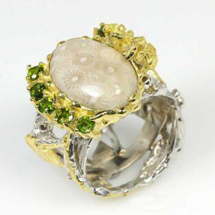 תכשיט לכלה ולערב: טבעת בשיבוץ אבני קורל פוסיל ופרידות תכשיט יוקרה עבודת יד