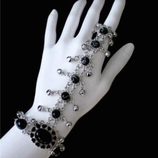 תכשיט לחינה ומסיבת רווקות: צמיד וטבעת מחובר מוכסף בשיבוץ קריסטל שחור