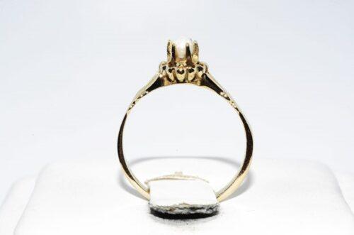 תכשיט זהב לכלה: טבעת זהב 14 קרט בשיבוץ פנינה לבנה 2.90 קרט