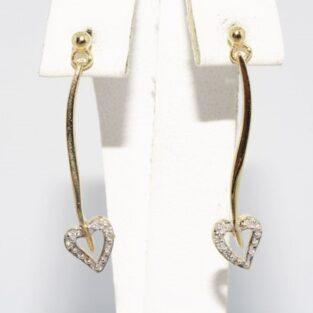 תכשיט זהב לכלה: עגילי זהב בשיבוץ 6 יהלומים עיצוב לב