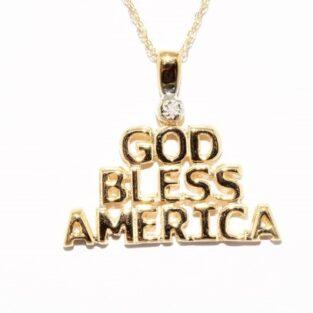תכשיט זהב לכלה: תליון ושרשרת זהב בשיבוץ יהלום god bless america