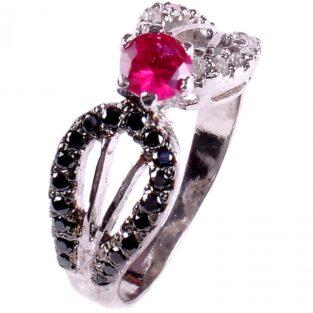 לכלה ולערב: טבעת כסף בשיבוץ יהלומי גלם שחורים ולבנים וזירקון אדום מידה: 7.5