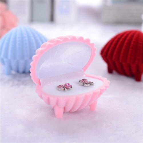 קופסת תכשיטים מהודרת לטבעת או עגילים עיצוב צדף ורוד
