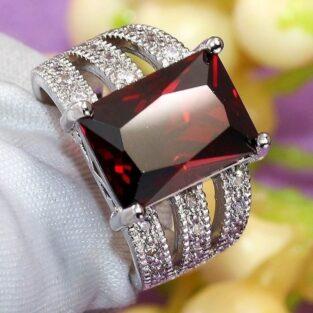 תכשיט לכלה ולערב: טבעת כסף בשיבוץ רובי מידה 11\ 10 הטבעת: 5.6 גרם