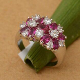 תכשיט לכלה ולערב: טבעת יוקרה כסף בשיבוץ 9 אבני רובי וזירקונים מידה: 6