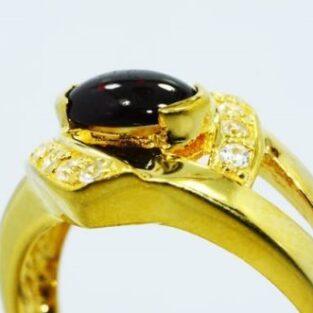 תכשיט לכלה ולערב: טבעת כסף בציפוי זהב בשיבוץ גרנט וטופז לבן מידה: 9