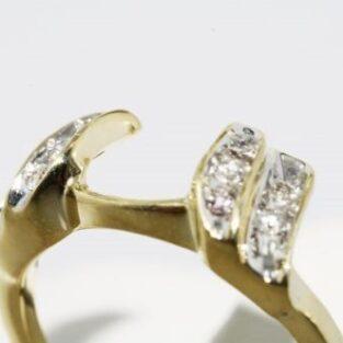 תכשיט לכלה ולערב: טבעת זהב צהוב 10 קרט בשיבוץ יהלומים מידה: 5.25