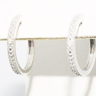 תכשיט לכלה ולערב: עגילי כסף 925 בשיבוץ 2 יהלומים לבנים עיצוב: חישוק