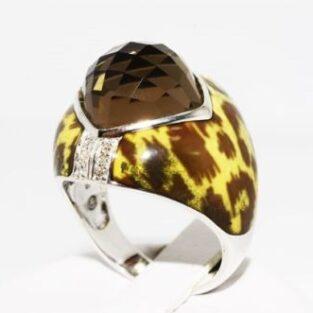 תכשיט לכלה ולערב: טבעת כסף בשיבוץ אבן סמוקי קוורץ ויהלומים עיטור אמייל מנומר מידה: 7.5