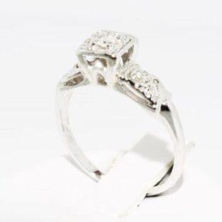 תכשיט לכלה ולערב: טבעת זהב לבן 14 קרט בשיבוץ יהלומים לבנים 06. קרט