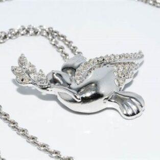 תכשיט לכלה ולערב: תליון ושרשרת כסף בשיבוץ 34 יהלומים לבנים עיצוב ציפור