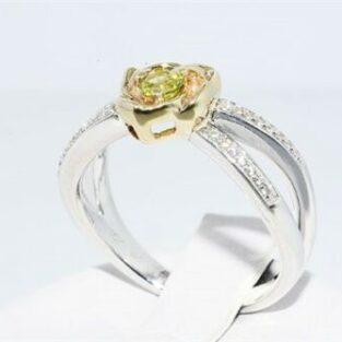 תכשיט לכלה ולערב: טבעת כסף וזהב בשיבוץ פרידות וטופז לבן מידה: 6.25