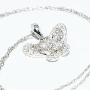 תכשיט לכלה ולערב: תליון ושרשרת זהב לבן עיצוב פרפר בשיבוץ 6 יהלומים