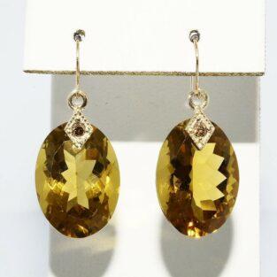 תכשיט לכלה ולערב: עגילי זהב צהוב 14 קרט בשיבוץ סיטרין ובשיבוץ 2 יהלומים