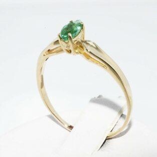 תכשיט לכלה ולערב: טבעת זהב צהוב 14 קרט בשיבוץ אמרלד מידה: 8