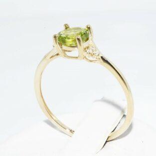תכשיט לכלה ולערב: טבעת זהב צהוב בשיבוץ פרידות ובשיבוץ 6 יהלומים לבנים מידה: 8.25