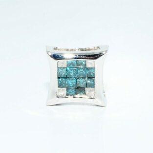 עגיל יחיד זהב לבן 14 קרט לגבר או לאישה בשיבוץ 12 יהלומים כחולים + 4 יהלומים לבנים