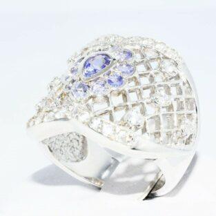 תכשיט לכלה ולערב: טבעת כסף 925 בשיבוץ טנזנייט וטופז לבן במידה: 6.25