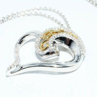 תכשיט לכלה ולערב: תליון ושרשרת כסף וציפוי זהב בשיבוץ 67 יהלומים בעיצוב לב