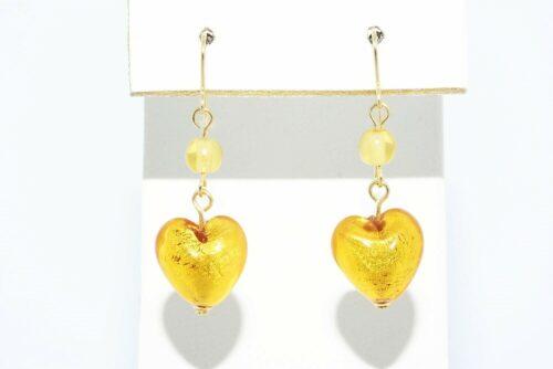 תכשיט לכלה ולערב: עגילי זהב צהוב 14 קרט בשיבוץ 2 סיטרין + זכוכית מורנו בעיצוב לב