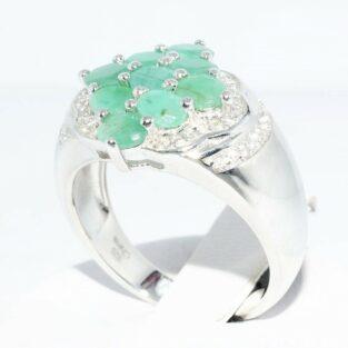 תכשיט לכלה ולערב: טבעת כסף 925 בשיבוץ 9 אמרלד + 40 טופז לבן מידה: 8.25