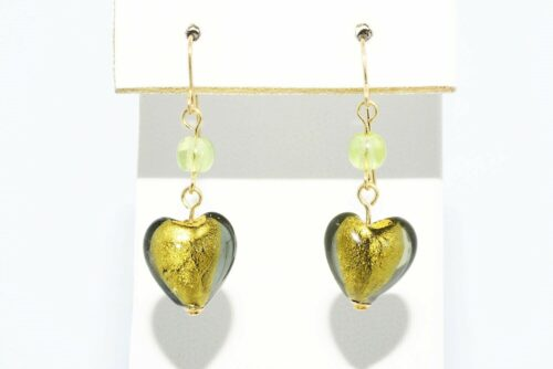 תכשיט לכלה ולערב: עגילי זהב 14 קרט שיבוץ זכוכית מורנו בעיצוב לב + 2 פרידות