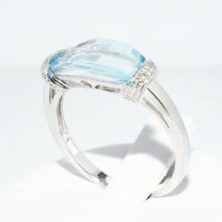 תכשיט לכלה ולערב: טבעת זהב לבן בשיבוץ טופז כחול + 4 יהלומים לבנים מידה: 7.25