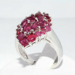 תכשיט לכלה ולערב: טבעת כסף 925 בשיבוץ 25 רובי 3.5 קרט במידה: 7.25 \ 10.25