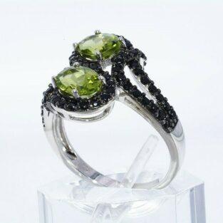 תכשיט לכלה ולערב: טבעת יוקרה כסף בשיבוץ 2 פרידות + 64 אוניקס מידה: 10