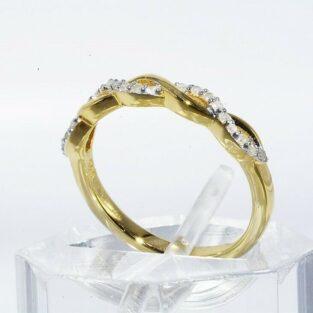 תכשיט לכלה ולערב: טבעת יוקרה כסף 925 ציפוי זהב בשיבוץ 21 יהלומים לבנים מידה: 5.25