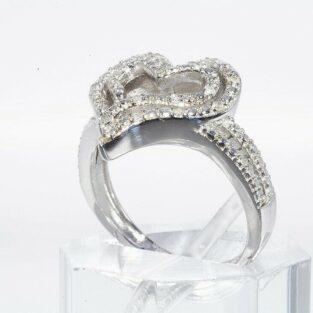 תכשיט לכלה ולערב: טבעת יוקרה כסף 925 עיצוב לב בשיבוץ 20 יהלומים לבנים במידה: 8.25